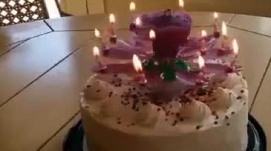 ჩემს ტორტებს მოუხდებოდა ეს სანთელი