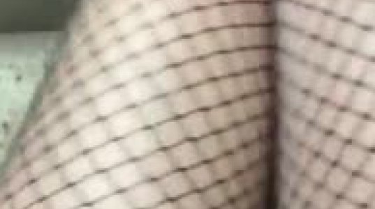 იუნა შაფათავას ბარძაყები ბადე კოლგოტით -ვიდეო ინსტაგრამიდან