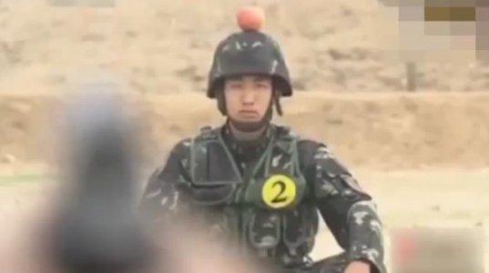 ჩინელი ჯარისკაცები სამხედრო მომზადებით მსოფლიოს აოცებენ