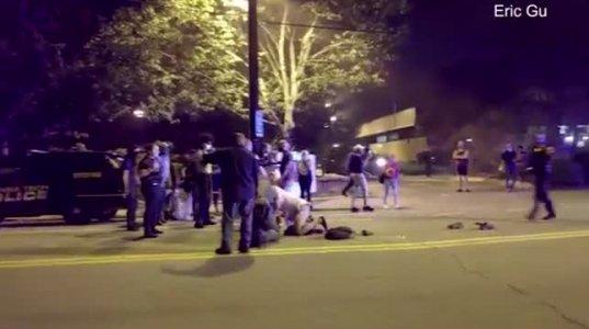 პოლიციასა და სტუდენტებს შორის შეტაკება მოხდა ლგბტ პირის მკვლელობისთვის