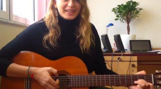 გერმანელი გოგონას ქართულად შესრულებული სიმღერა
