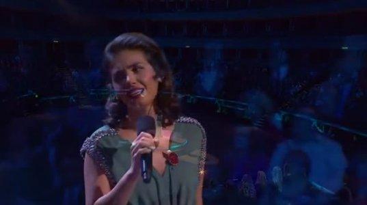 ქეთი მელუას ემოციური სიმღერა ომის გმირებს