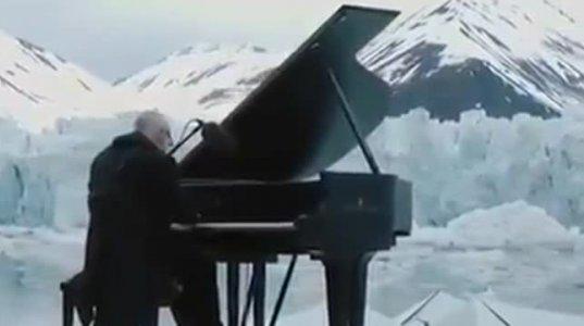 არაჩვეულებრივ გარემოში - არაჩვეულებრივმა მელოდია Ludovico Einaudi