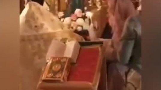 ინტერნეტში პირველად გამოჩნდა გალკინი-პუგაჩოვას ჯვრისწერის ვიდეო(2011)