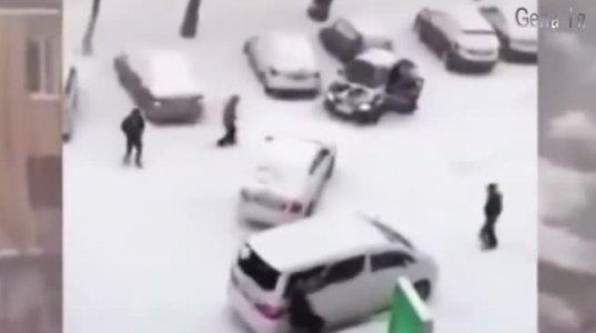 ყინულზე მოსრიალე მანქანები
