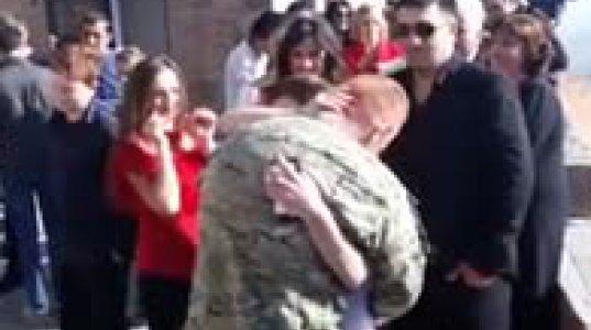 დის ქორწილში ავღანეთიდან მოულოდნელად დაბრუნებული ძმა
