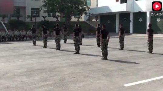 ჩინური ჯარის დემონსტრაცია