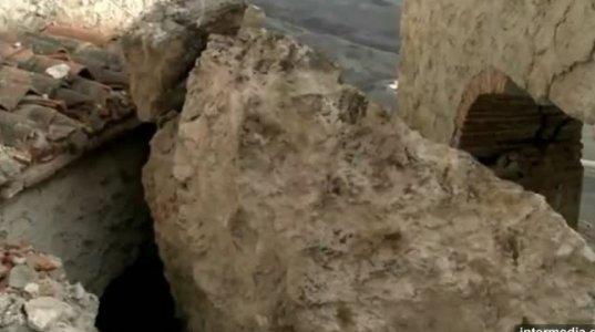 დედოფლისწყაროში ელია თეზბიტელის ტაძარი კლდიდან ჩამოშლილმა ლოდმა დაანგრია (ვიდეო)