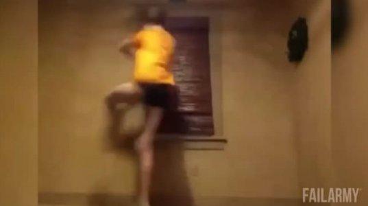 """სპორტის მოყვარული გოგოების """"იაღლიშების"""" კოლაჟი განწყობისათვის"""