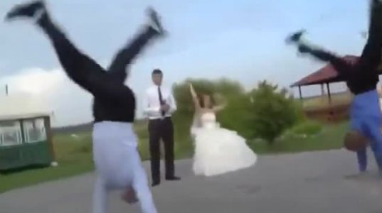 ქორწილისთვის კარგად მომზადებულან ბიჭები