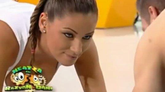 სექსუალური რუმინელი ტელეწამყვანი როქსანა ვანცეა-ვიდეოკოლაჟი