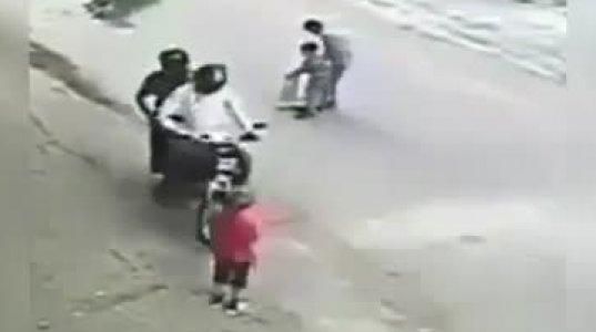საინტერესოა ამდენი მოტაცებული ბავშვი სად მიყავთ ამ ავაზაკებს. ჩინეთი