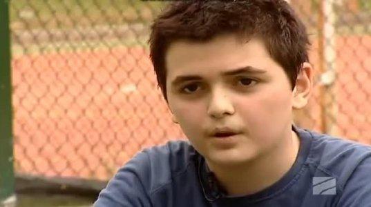 """""""დარხეული"""" გვაქვსო მართალს ამბობს ეს ბიჭი ან რა გულიანად იცინის"""