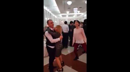 როგორ მოიქცა ცოლი, როცა ქმარმა სხვა ქალთან ცეკვა სცადა - ეჭვიანი მეუღლის საქციელი გაგახალისებთ