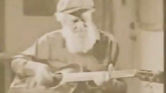 ლევ ტოლსტოი მღერის ბლუზს