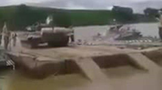 ოკუპირებულ აფხაზეთში სამხედრო წვრთვნებისას პონტონზე ასული ტანკი მდინარეში გადავარდა