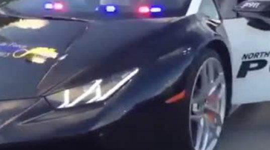 როგორ გინდა პოლიციას გაექცე, როცა პოლიციელი ასეთი მანქანის საჭეს უზის