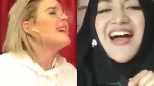 ცნობილი მომღერალი და ულამაზესი ტუნისელი გოგო ერთად მღერიან ჩატში