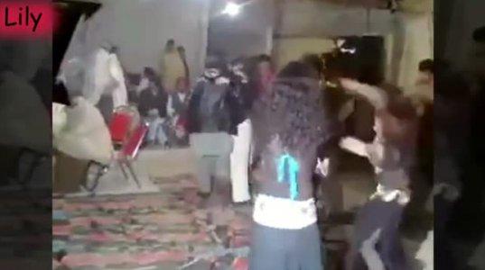 ინდოეთში ქორწილში ბიჭი გადაეკიდა გოგოს მეცეკვეო...შემდეგ რაც მოხდა ნახეთ ვიდეოში(+16)