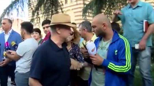 ნაცმოძრაობის ამომრჩევლებმა რობერტო მავანს შეურაცხყოფა მიაყენეს - ვაშაძის შეხვედრა (ვიდეო)