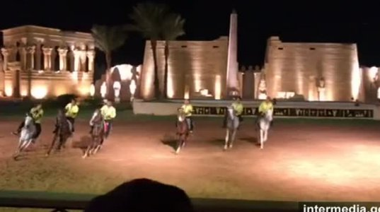 """აი რა სანახაობა ნახეს ქართველებმა ეგვიპტეში ,,ათას ერთი ღამის""""' დარბაზში"""