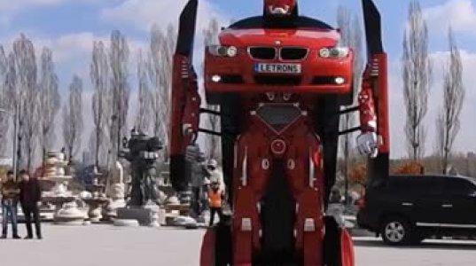 """გერმანულმა საავტომობილო ბრენდმა შექმნა ავტომობილი """"ტრანსფორმერი"""""""