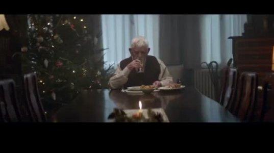 ვიდეო რომელიც ყველა ადამიანმა უნდა ნახოს...გაატარეთ შობა მშობლების გვერდით თუ ჯერ კიდევ გაქვთ ამის შესაძლებლობა ,,გილოცავთ დამდეგს...