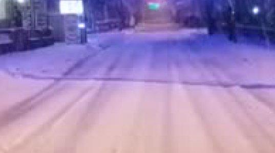 ასე  თოვდა დღეს   ყაზბეგში