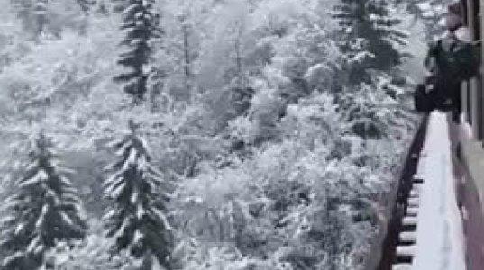 ულამაზესი დათოვლილი ხედი ბორჯომ-ბაკურიანის ''კუკუშკიდან''