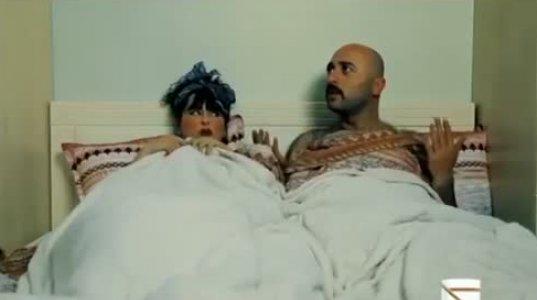 ცოლმა მეგრელ ქმარს საყვარელთან მიუსწრო. ზესახალისო ვიდეო განწყობისათვის