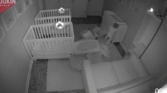 როცა გგონია რომ ბავშვებს ტკბილად სძინავთ