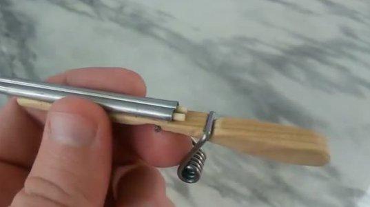 როგორ უნდა დაამზადოთ სახლში პატარა სათამაშო იარაღი