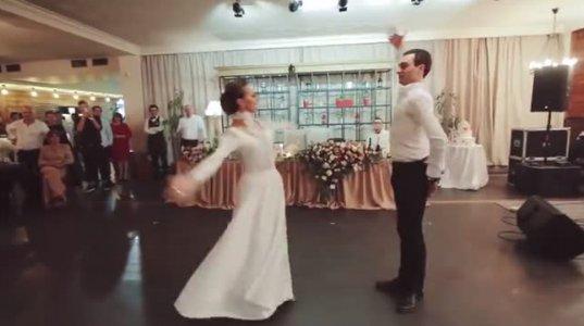 მეფე-პატარძლის საოცარი ცეკვა