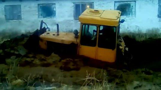 ტრაქტორი და ტრაქტორისტები - საოცარი შემთხვევებია