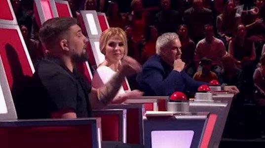 როგორც კი ქართველმა კონკურსანტმა ხმა ამოიღო, ჟიური იმწამსვე შემოუბრუნდა - რა გაუხარდა ვალერი მელაძეს რუსულ ვოისში