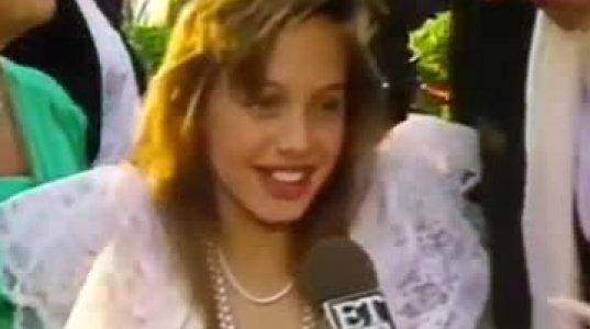 10 წლის ანჯელინა ჯოლი ოსკარის დაჯილდოების ცერემონიაზე