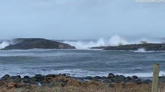 უმძაფრესი კადრები საკრუიზო გემიდან, რომელიც ნორვეგიის დასავლეთ სანაპიროსთან ჩაიძირა