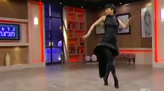 მონიკა ბელუჩივით თეა დარჩიაც უბერებელია, დარჩიას საოცარი ცეკვა სატელევიზიო სტუდიაში
