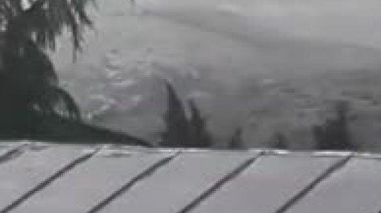 დედოფლისწყარო დაისეტყვა - დაიტბორა სახლები, დაზიანდა ხეხილი, ავტომანქანები (ვიდეო)