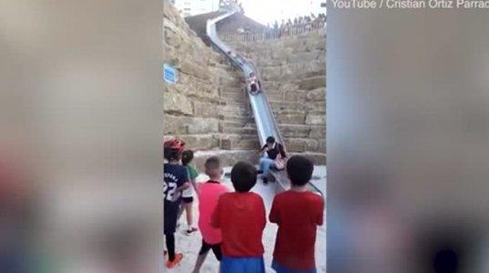 ესპანეთში ორი ქუჩის დამაკავშირებელი самую длинную горку გაუშვეს