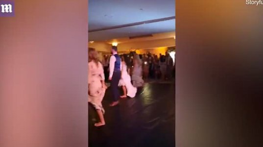 საკუთარ ქორწილზე წარმოდგენილი Riverdance უმაგრესი პერფორმანსი