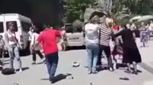აფხაზები ტურისტს შოტლანდიური კილტის ტარების გამო თავს დაესხნენ
