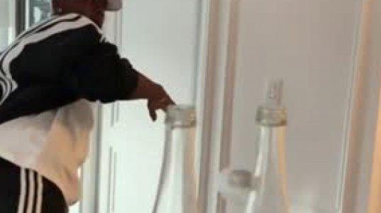 პოგმამ ბოთლების თავსახურის მოხსნის ჩელენჯში ორ ბოთლს მოხსნა თავსახური