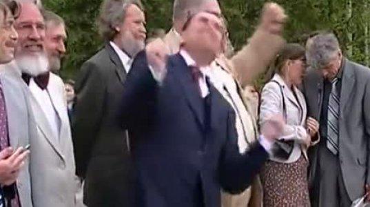 ჩუვაშეთის პრეზიდენტი ცეკვავს - ვიდეო, რომელმაც ათი ათასობით ადამიანი გაახალისა