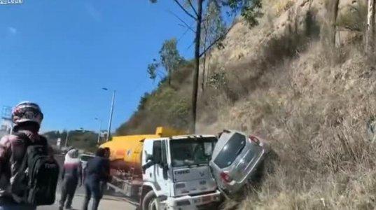 ავარიის შემდეგ ავტოცისტერნის მძღოლმა გასაქცევად უჩვეულო გზა აირჩია