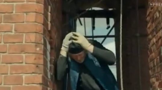 ამ ვიდეომ ჩემი გაუცინარი უფროსიც გააცინა ანუ მამაო, რომელიც ცდუნებას ვერ უძლებს და შარში ეხვევა