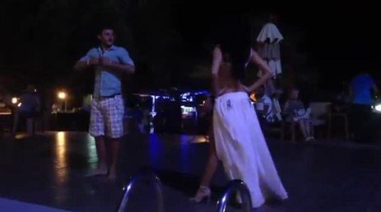 ქართველმა ბიჭმა თურქ მოცეკვავე გოგოს თავი არ გაამასხარავებინა (ვიდეო)