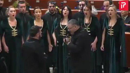 """ევროსაბჭოში საოცრად შესრულებული ქართული სიმღერა """"ლალე"""""""