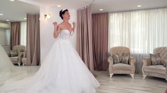 თუ ხვალ შენი ქორწილია და მოულოდნელად იგებ, რომ ქორწილის ორგანიზატორი თვითონ გათხოვდა(wedder.ge)