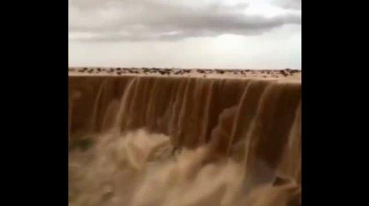 ბუნების საოცრება-ქვიშის ჩანჩქერი